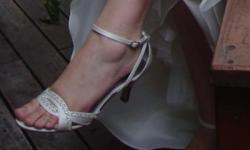 Ivory Diamante Shoes. Size 7 Worn once as Bridal