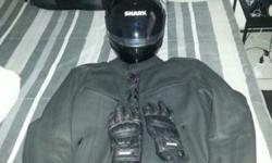 Hi guys im selling my full leather jacket and gloves as