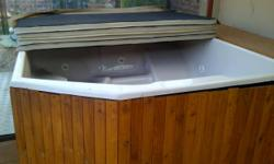 Soort: Jacuzzi Complete free standing 6 seater cream