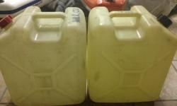 2 x 25l Jerry cans. Good condition