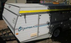 JURGENS SLIP STREAM 1995 MODEL 2X DUBBEL BEDS FRIDGE