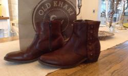As new ... Ladies Leather CAT boots Size 5. R650 onco.