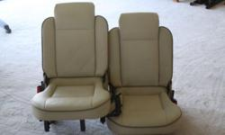 We have 2 extra car seats for a Landrover Discovery. I
