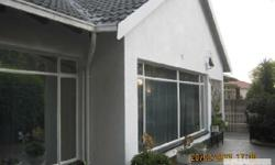 Slaapkamers: 3 Badkamers: 2 Large family home, offers: