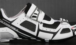 Soort: Bicycle The LG Tri-Lite Cycling Shoe is the