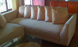 Beskrywing Light yellow suede fabric corner lounge
