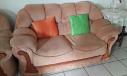 4 Piece Lounge Suite in good condition. Very