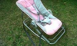 have a pink maclaren bouncer with vibration and handles