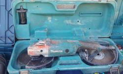 MAKITA 2200W 230mm Angle Grinder with case