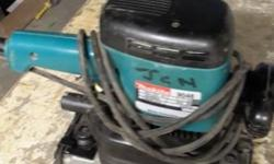 Makita sander 4095 in very good condition for sale