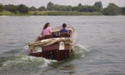 Beskrywing CLASSIC 6 SEATER WITH INBOARD V8 MERCRUISER,