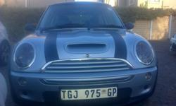 Silver Mini Cooper S for sale R90 000