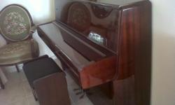 Beskrywing YAMAHA PIANO,upright,excellent