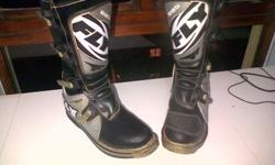 fly boots size 11/12, goggles and gloves for R1000 not