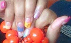 Get a set of french acrylic nails for R140, colour