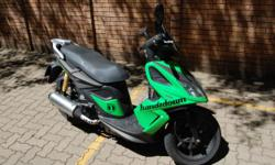 Fabrikaat: Kymco Model: SUper 8 Mylafstand: 14,000 Kms