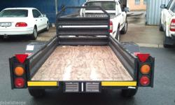 Loading Bin 2.4m x 1.2m Included: Roadworthy and Data