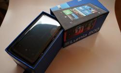 Beskrywing Nokia Lumia 800 PHONES ALSO AVAILABLE