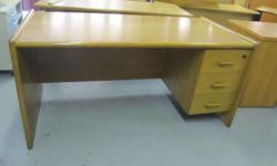 Soort: Office Soort: Desks Old style oak desk Three
