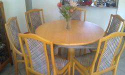 oak dining room table and six chairs size 120 cm