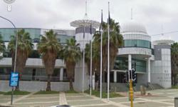 Beskrywing Top class offices situated in Rosebank , we