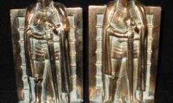Beskrywing STUNNING PAIR OF BRASS KNIGHT BOOK  ENDS IN