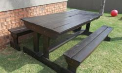 2100x940 table with separate benches Good condition Not