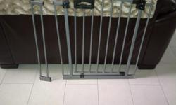 This is a silver gate in excellent condition. It will