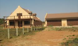 Beskrywing 2.5 ha plot in Sundra. Lovely 3bed 2bath 2x2