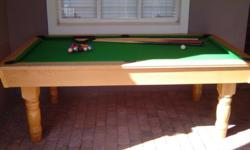 Soort: Pool table As good as new, with all accessories.