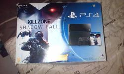 Ps4 with box n 3 games R5000neg