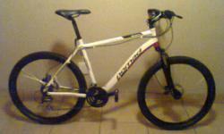 Beskrywing Bike is like new. Disc brakes front and