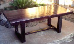 Beskrywing Rosewood Stained Dinner Table