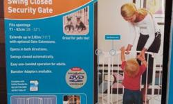 Dreambaby safety gate fits opening of 71 to 82 cm with