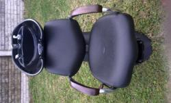 Beskrywing 2 x Salon Chairs for sale. Only used 2
