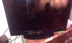 samsung 32 inch lcd for sale with remote perfect