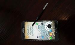 Samsung Galaxy Note 3 LTE 32Gb in Black. Screen cracked