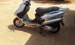 accident damaged Vuka XR 125 scooter in perfect running