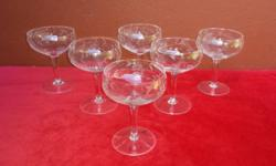 Set of 6 large grape champagne glasses. In beautiful