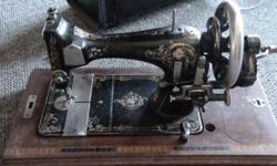 Hand Crank, in great condition
