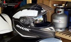 I am selling my Shark S700 full face helmet. Size