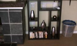 2x shelves. R250 each.