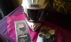 Medium 58cm helmet in good condition. Accesories