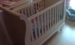 White wooden sleigh cot, good condition!