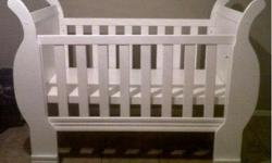 White Sleigh Cot. Immaculate condition. Like new.