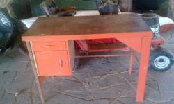 Ideal desk for hobby work, sewing, etc. has lockable
