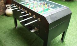 Beskrywing SOCCER TABLE-COIN OPERATED R2 500. Coin