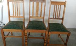 I have 3 oak chairs that I want to sell. Good