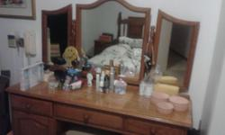 Solid oak dressing table Matching pedestal Mirror