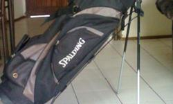 Beskrywing Spalding golf clubs and stand bag for sale.